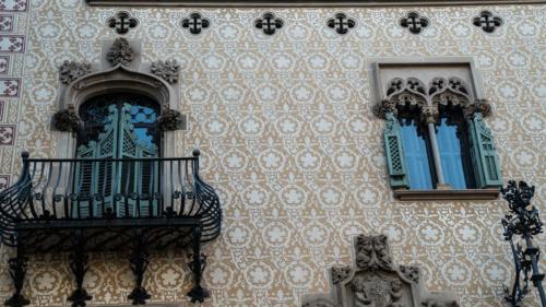 Gaudi building5-gerone-prestation-de-tournage-de-film-tv-par-drone-raphael-dahan-2018