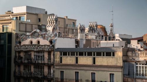 Gaudi building6-gerone-prestation-de-tournage-de-film-tv-par-drone-raphael-dahan-2018