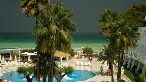 Playa de Miro Majorque2-Gerone-prestation-de-tournage-de-film-tv-par-drone-raphael-dahan-2018