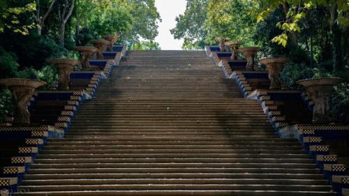 escalier-Barcelone-plan-de-cinema-par-drone-inspire-2