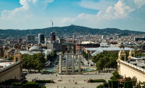 sky-view-Barcelone-plan-de-cinema-par-drone-inspire-2